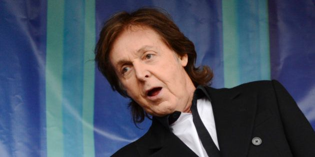 Les Beatles: Paul McCartney discute régulièrement avec John