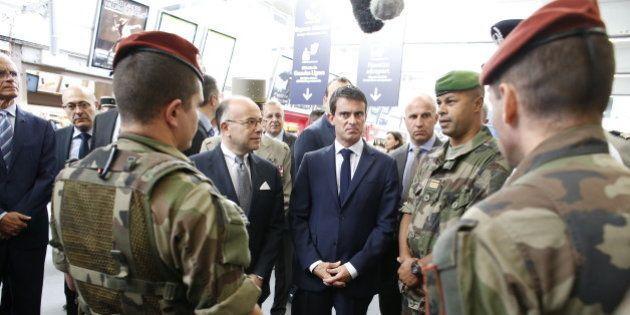 Menace terroriste: Valls et Cazeneuve annoncent le déploiement de 200 à 300 militaires supplémentaires...