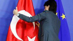 François Hollande en visite d'État en Turquie, au pire des