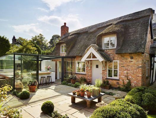 Photos Cette Cuisine Dans Un Cottage Anglais Est Entierement Vitree Le Huffington Post Life