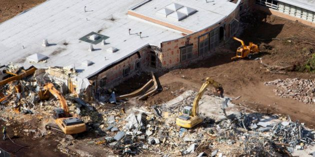 USA: démolition de l'école Sandy Hook de Newtown où 20 enfants ont été tués en