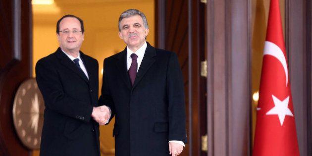 Référendum sur la Turquie et l'UE: Hollande s'engage mais pas avant