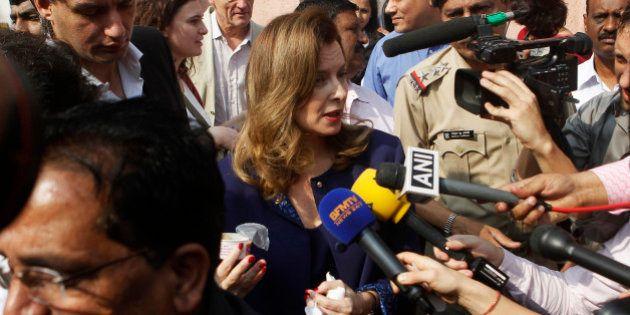 Trierweiler en Inde : l'ex-première dame se livre à des
