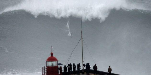 VIDEOS. Tempête : Surf sur des vagues de plus de 10 mètres à Belharra et
