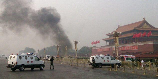 Place Tiananmen: la police chinoise suit la piste d'un