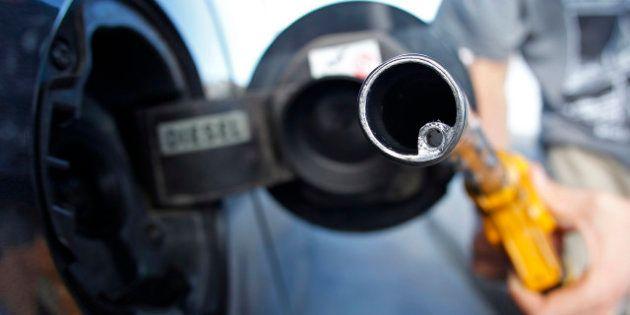 Prix de l'essence: la CLCV dénonce une hausse des marges des