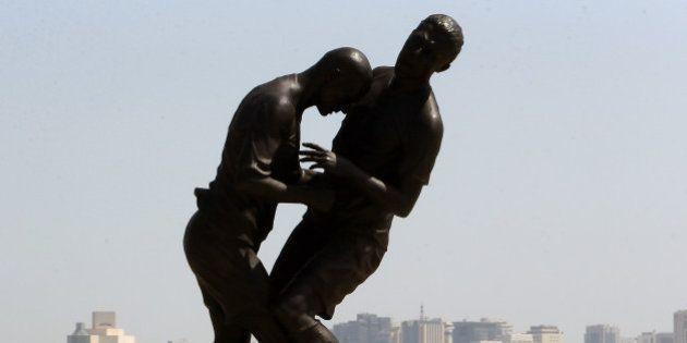 Statue de Zidane : le Qatar fait déboulonner