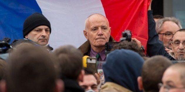 Qui est Christian Piquemal, ex-patron de la Légion étrangère en garde à vue après la manif anti-migrants...