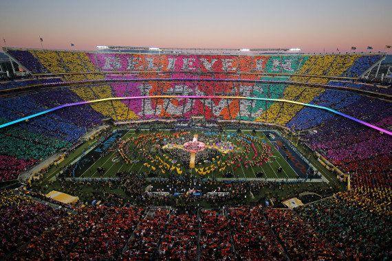 VIDÉO. Beyoncé a failli chuter au Super Bowl 2016 (mais elle a quand même volé la vedette à