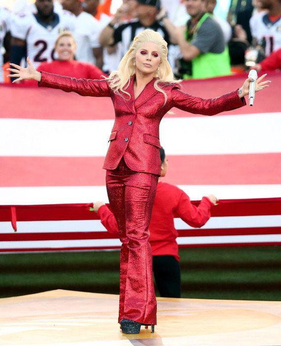 VIDÉO. Lady Gaga a chanté l'hymne américain comme personne au Super Bowl