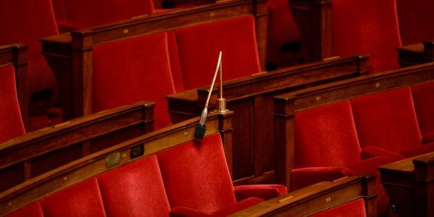 L'absentéisme de nombreux députés lors du vote sur l'état d'urgence suscite
