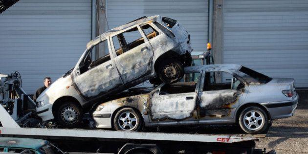 Nouvel an 2015: 940 voitures ont été brûlées, soit 127 de moins qu'en