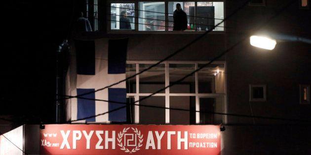 Grèce, Aube dorée: deux jeunes tués par balle devant un local du parti