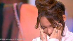 Nabilla émue aux larmes en écoutant son