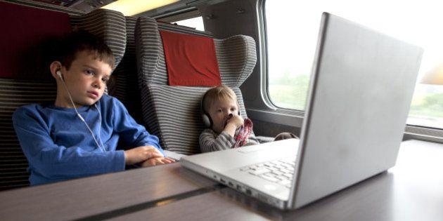 Bientôt le wifi dans le train? La SNCF va lancer un appel d'offre pour proposer un accès