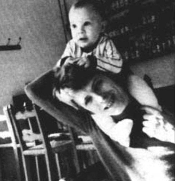 Un mois avant sa mort, David Bowie a appris qu'il allait être