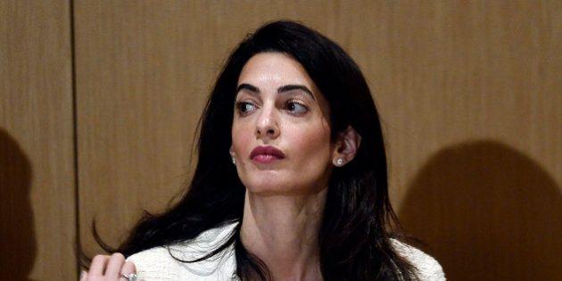 La femme de George Clooney, Amal Alamuddin, accuse l'Egypte de l'avoir menacée d'arrestation, les autorités