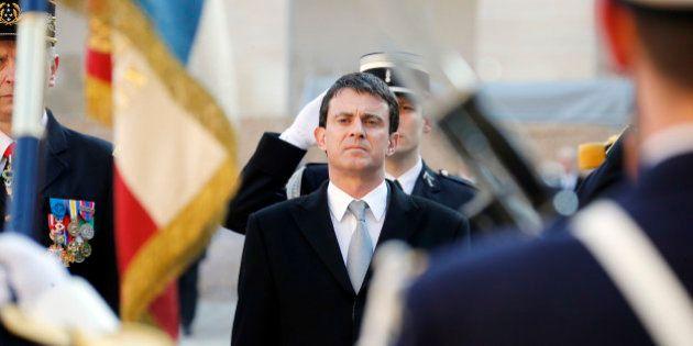 Immigration: Valls publie son premier bilan et critique ses