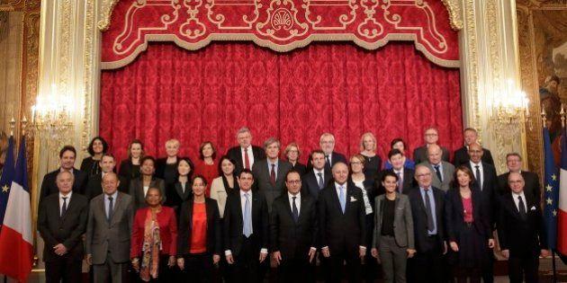 La photo de famille du gouvernement Valls 2 prise avec quatre mois de
