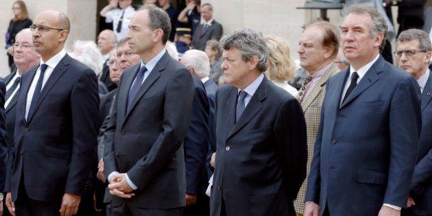 Mariage Bayrou Borloo: UMP, PS, FN et centristes entre inquiétude et