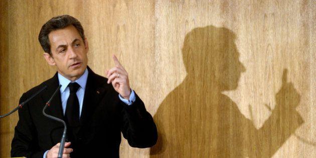 Comment Nicolas Sarkozy conjugue présidence de l'UMP et campagne pour