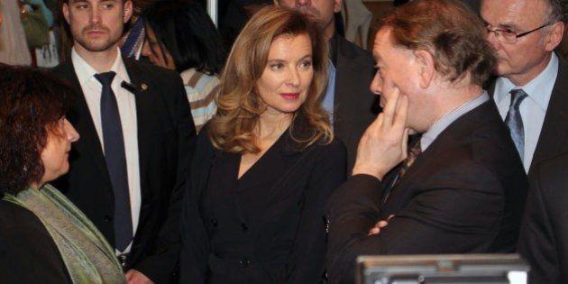 De gauche à droite: S.E. M. l'Ambassadeur de France Patrice Paoli, Nadine Méouchy (Responsable des...