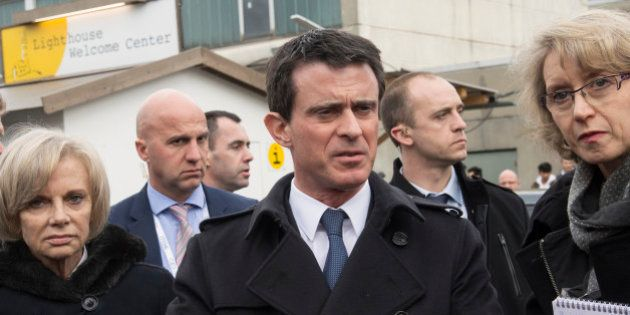 Manuel Valls s'oppose à Angela Merkel sur la question des