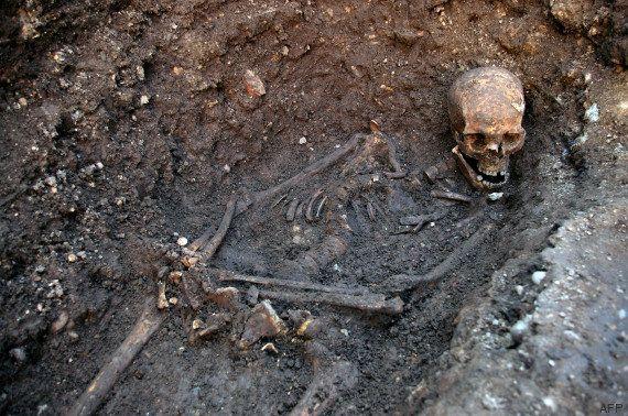 VIDÉOS. Richard III enterré après des années de mésaventures pour sa