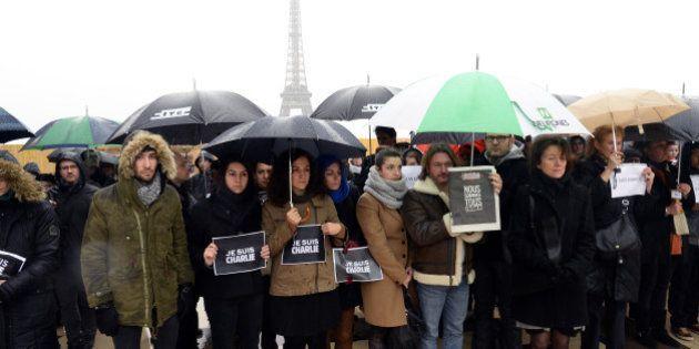 Charlie Hebdo : une minute de silence observée à midi dans les établissements scolaires, les administrations...