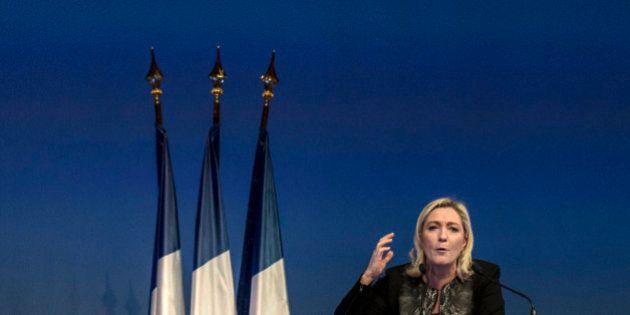 Rassemblement hommage à Charlie Hebdo: L'union nationale vacille autour de la présence du