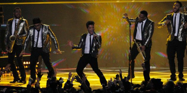 VIDÉOS. Bruno Mars au Superbowl: les internautes parodient sa