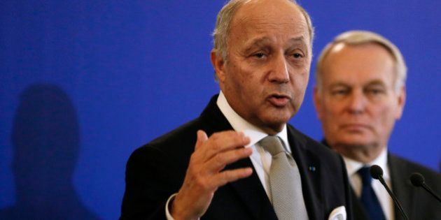 Laurent Fabius annonce qu'il renonce à la présidence de la COP21, après la polémique sur un éventuel...