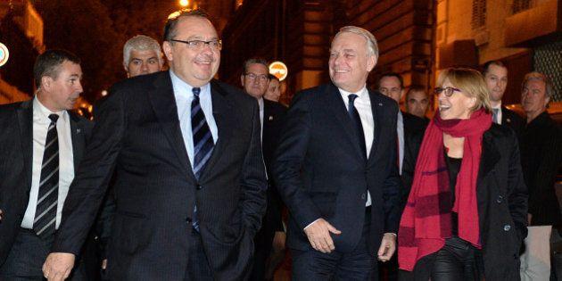Marseille: Ayrault annonce 3 milliards d'euros d'aide, la droite dénonce un cadeau au