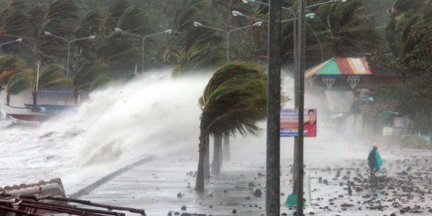 VIDÉOS. Le super-typhon Haiyan, le cyclone annoncé comme le plus violent au monde, a touché les