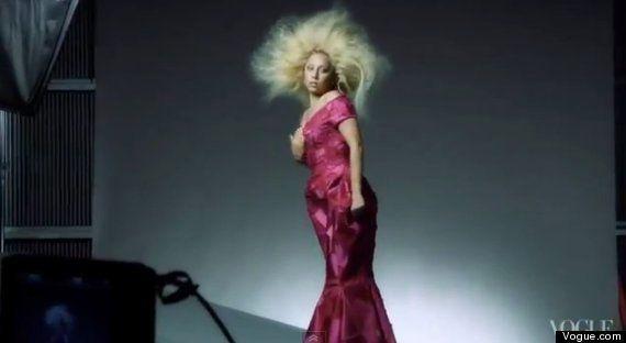 Lady Gaga dénonce l'utilisation de Photoshop pour sa Une dans