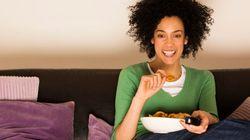 Comment regarder la télé nous fait oublier quels aliments sont bons pour la