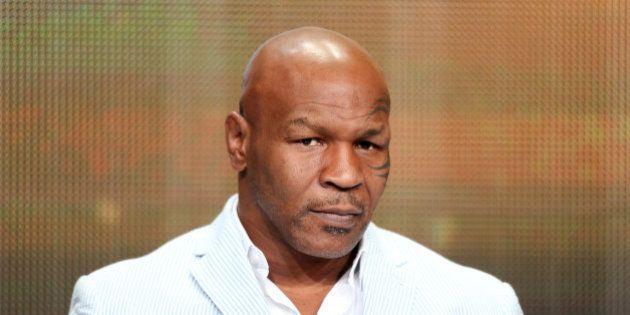 Mike Tyson reconnaît s'être drogué avant des combats et avoir utilisé un faux pénis pour tromper les