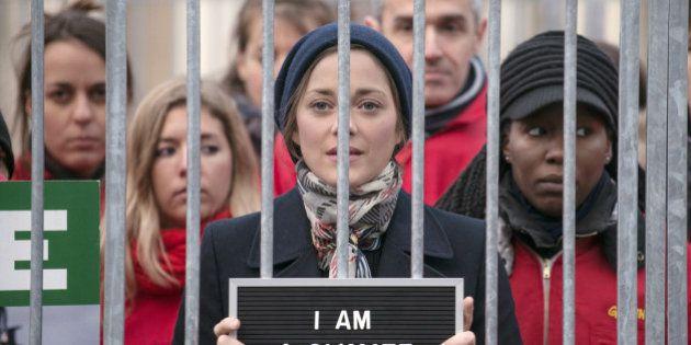 VIDÉO. PHOTOS. Marion Cotillard se met en cage pour soutenir les