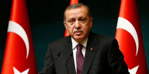 Erdogan dénonce les
