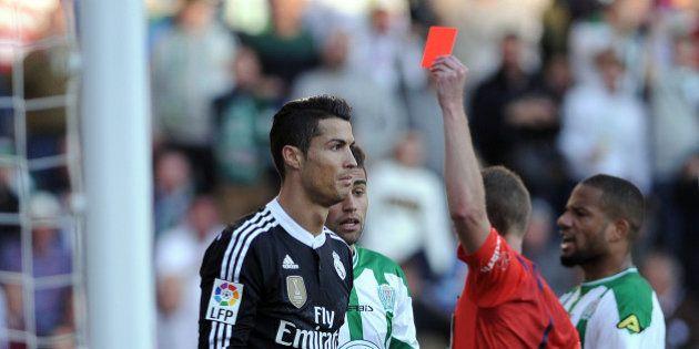VIDÉOS. Cristiano Ronaldo boxe un adversaire puis se fait exclure lors de Real