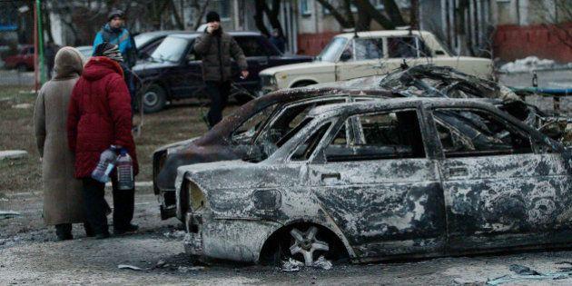 Après les bombardements à Marioupol en Ukraine, la communauté internationale fait pression sur la