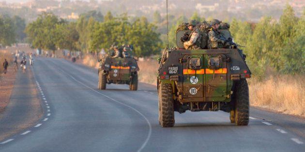 Intervention au Mali : les troupes françaises s'engagent au sol et remontent vers le
