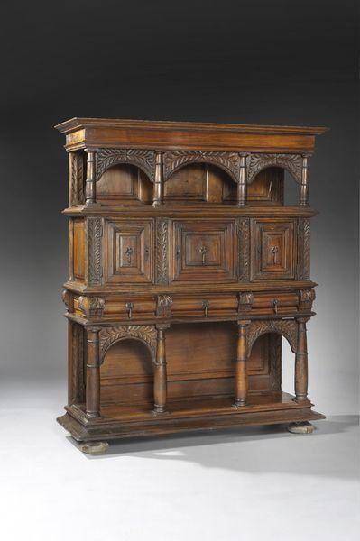 Haute époque, le mobilier