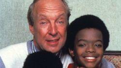 Le père adoptif d'Arnold et Willy est