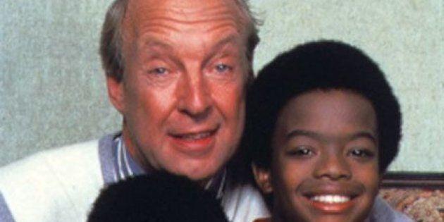 VIDÉOS. Arnold et Willy: Conrad Bain qui interprète M. Drummond, le père adoptif, est