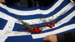 La Grèce échappe de justesse à la