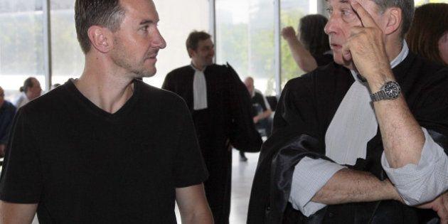 Besancenot en procès contre Taser: espionnage, barbouzes et