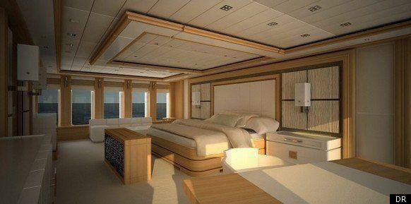 Le yacht de Stéphane Courbit sombre au large de la