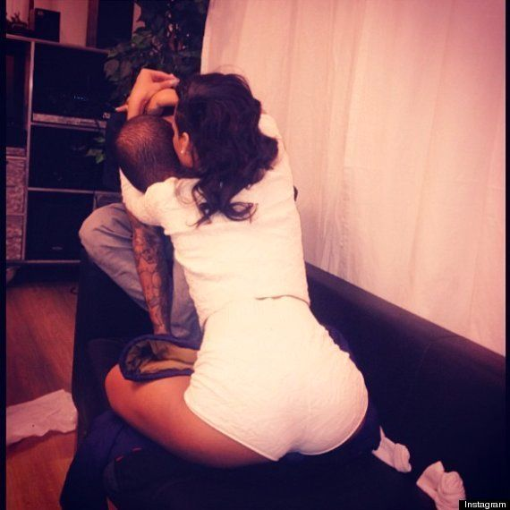 PHOTO. Rihanna et Chris Brown de nouveau ensemble d'après une photo postée par la chanteuse sur son compte