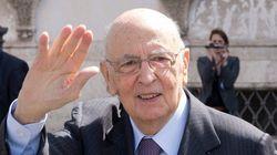 Italie:le président Napolitano accepte de se
